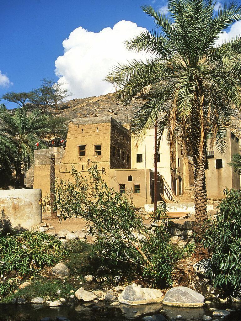 Wohnhäuser an den heißen Quellen von Nakhl / houses by the hot springs of Nahkl